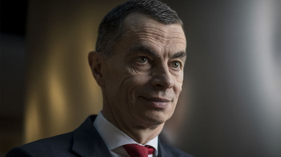 Ex-UniCredit CEO Plans SPAC Amid 'Transformation' in Finance