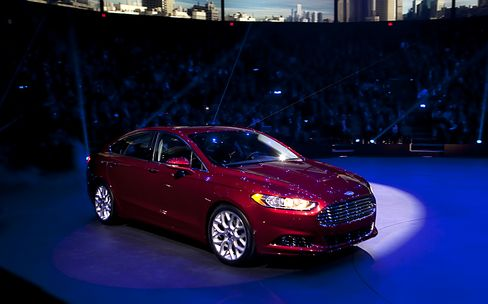 Ford Expects Fusion to Grab Profits Without Camry's Crown