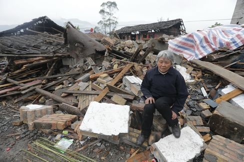 China Quake Zone Absent Men Show Labor Supply Curbing Growth