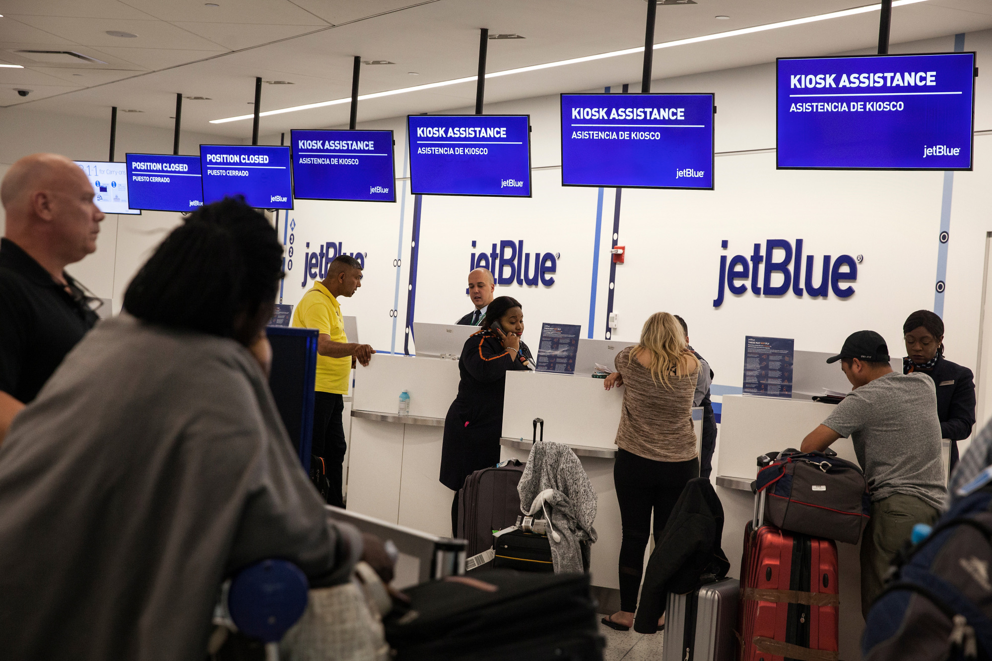 9e371c16b747 JetBlue Baggage Fee Increased by  5 as Fuel Prices Climb - Bloomberg