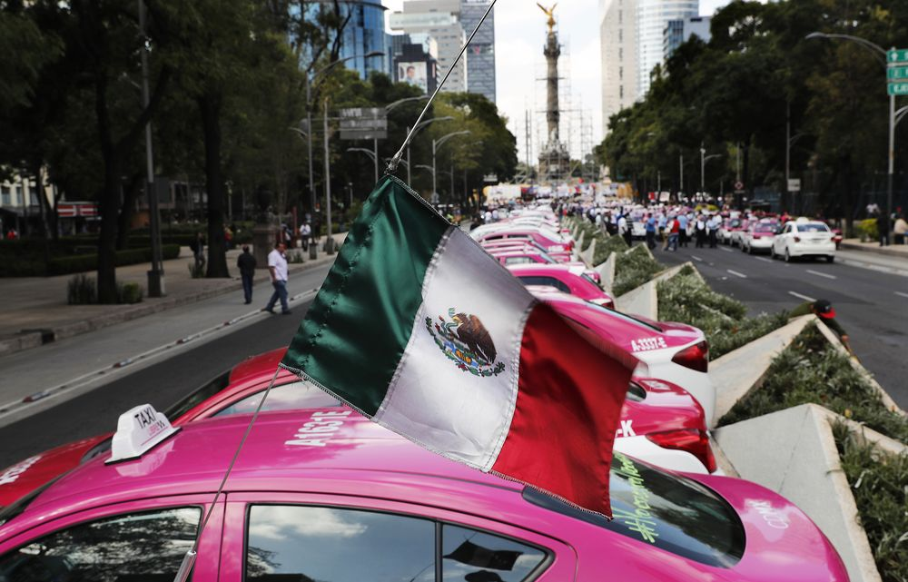 Taxi drivers gather to protest ride appsin Mexico City on Oct. 7.