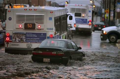 Chicago Storm Adds to Travel Woes With 500 Flights Scrubbed