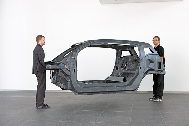 BMW Bets on Carbon-Fiber Bodies for Cars - Bloomberg