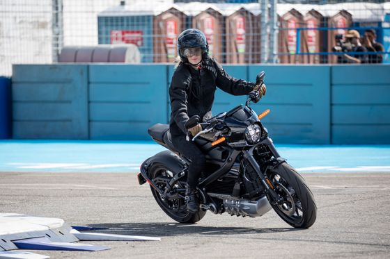A First Ride on Harley-Davidson's LiveWire Electric Motorcycle