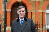 作为总理发表春季声明,英国权衡无交易英国退欧投票