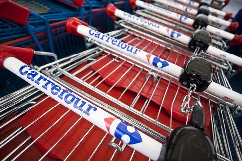 Carrefour First-Half Profit Falls 8.2 Percent, Beating Estimates