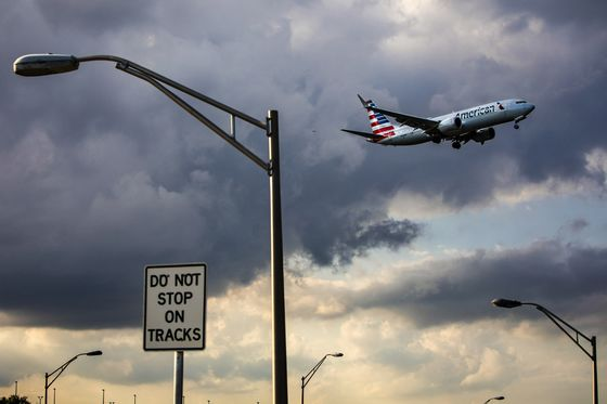 American Air, Southwest Rush to Fill Gaps as 737 Max Parked