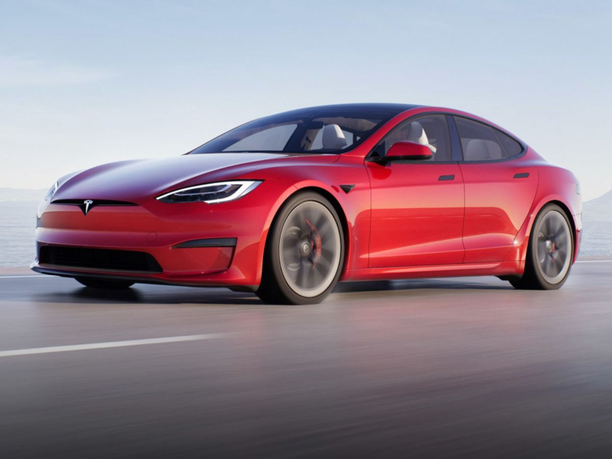 <p>Musk Shows Off Tesla's Fastest Car Yet at Plaid Event thumbnail