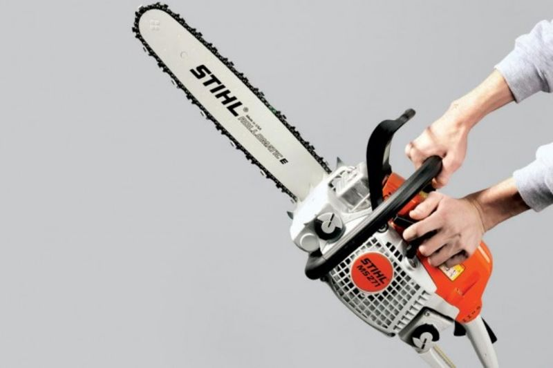 Stihl chain saws thrive outside the big box bloomberg the ms 271 a midgrade workhorse appeals to pros and the homeowners who want to be like them photograph by david brandon geeting for bloomberg businessweek greentooth Images