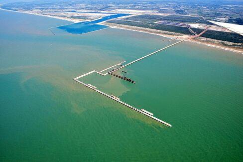 Port of Acu
