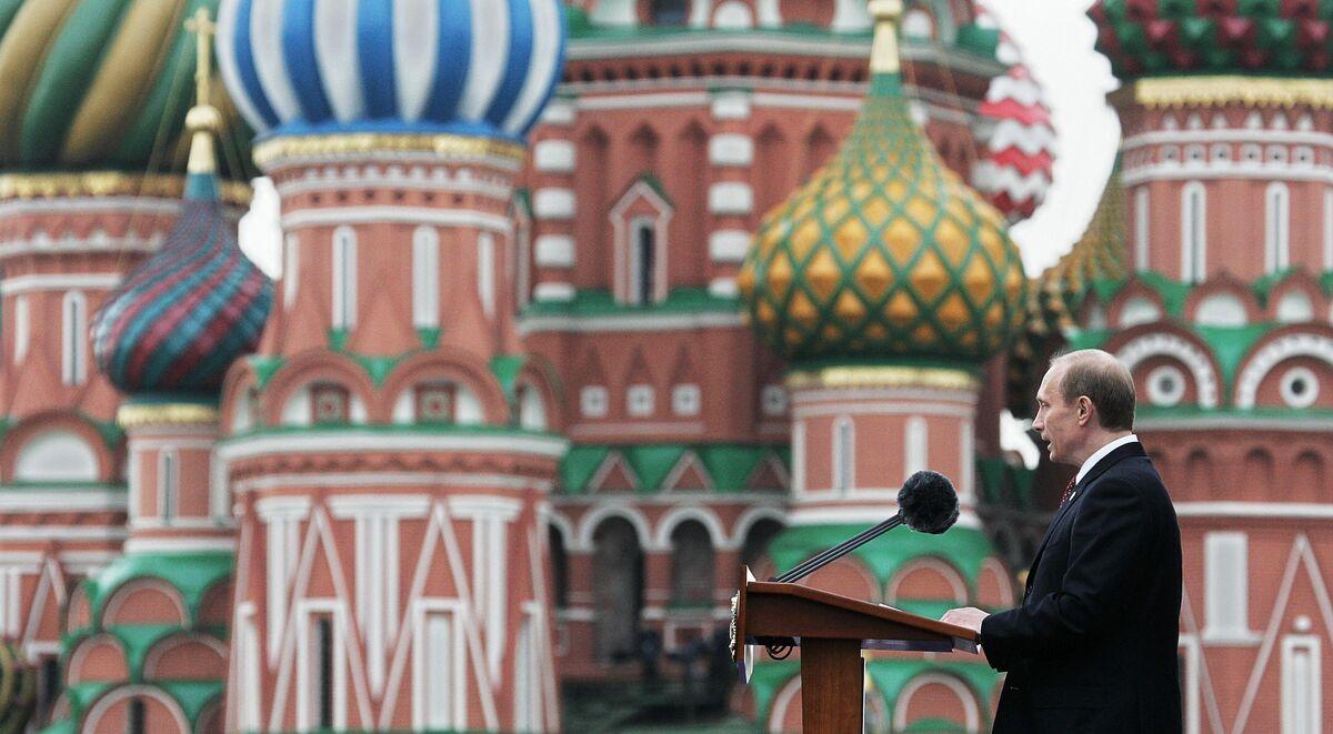 Putin the Czar Is More Dangerous Than Ever