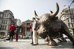 Chinese Stocks Continue Wild Ways as Financials Lead Rebound