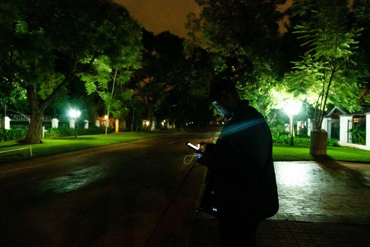 Eskom Power Blackout Rekindles Concern Over South Africa Ratings