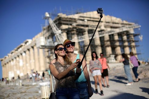 Even Turks are flocking to vacation in Greece, where the cost of living has decreased dramatically compared to their homeland.