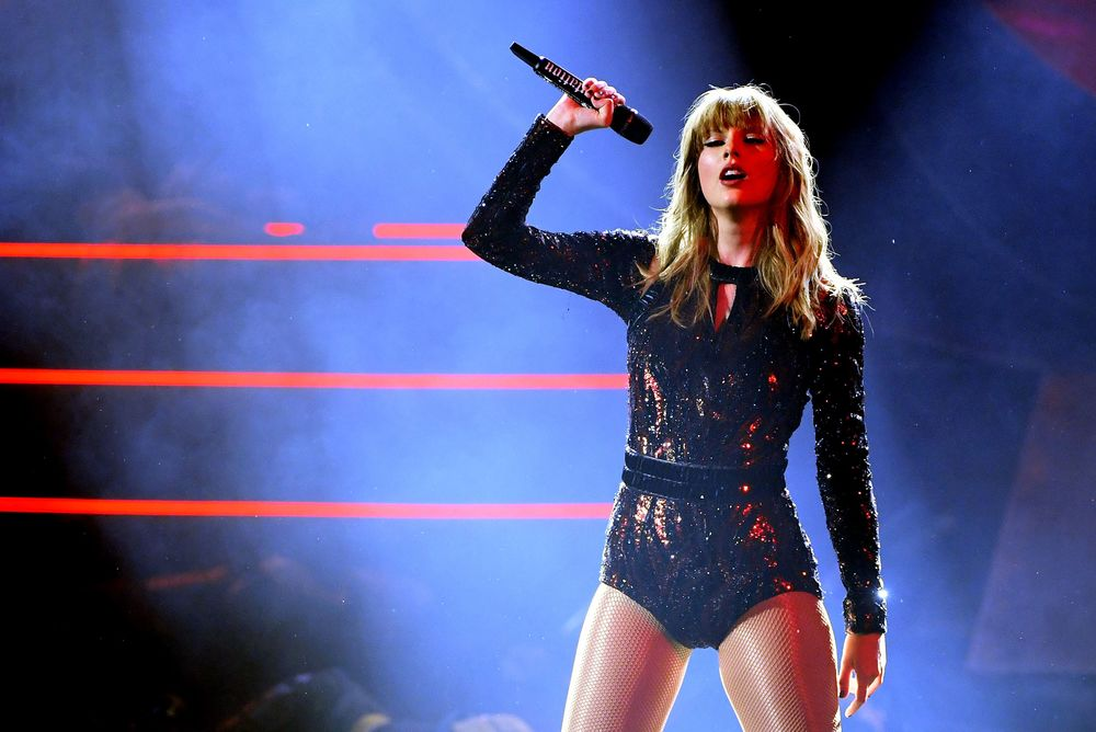 Taylor Swift Cancels Live Appearances For Rest Of The Year Bloomberg