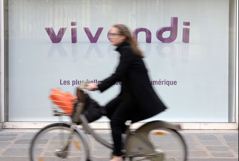 Vivendi Is Said to Weigh Splitting Off SFR to Focus on Media