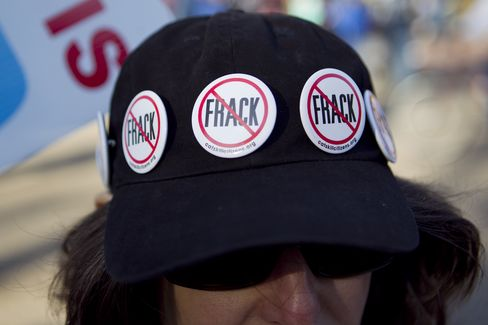 Americans Say Fracking Needs More Regulation by 66% in New Poll