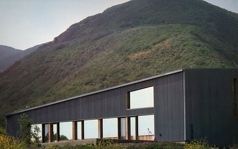 Ron Davis House, Malibu, Calif., 1972, the result of a close collaboration between Davis and Gehry.