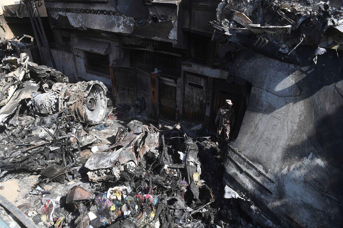 Probe Into Deadly Pakistan Plane Crash Points to Pilot Error