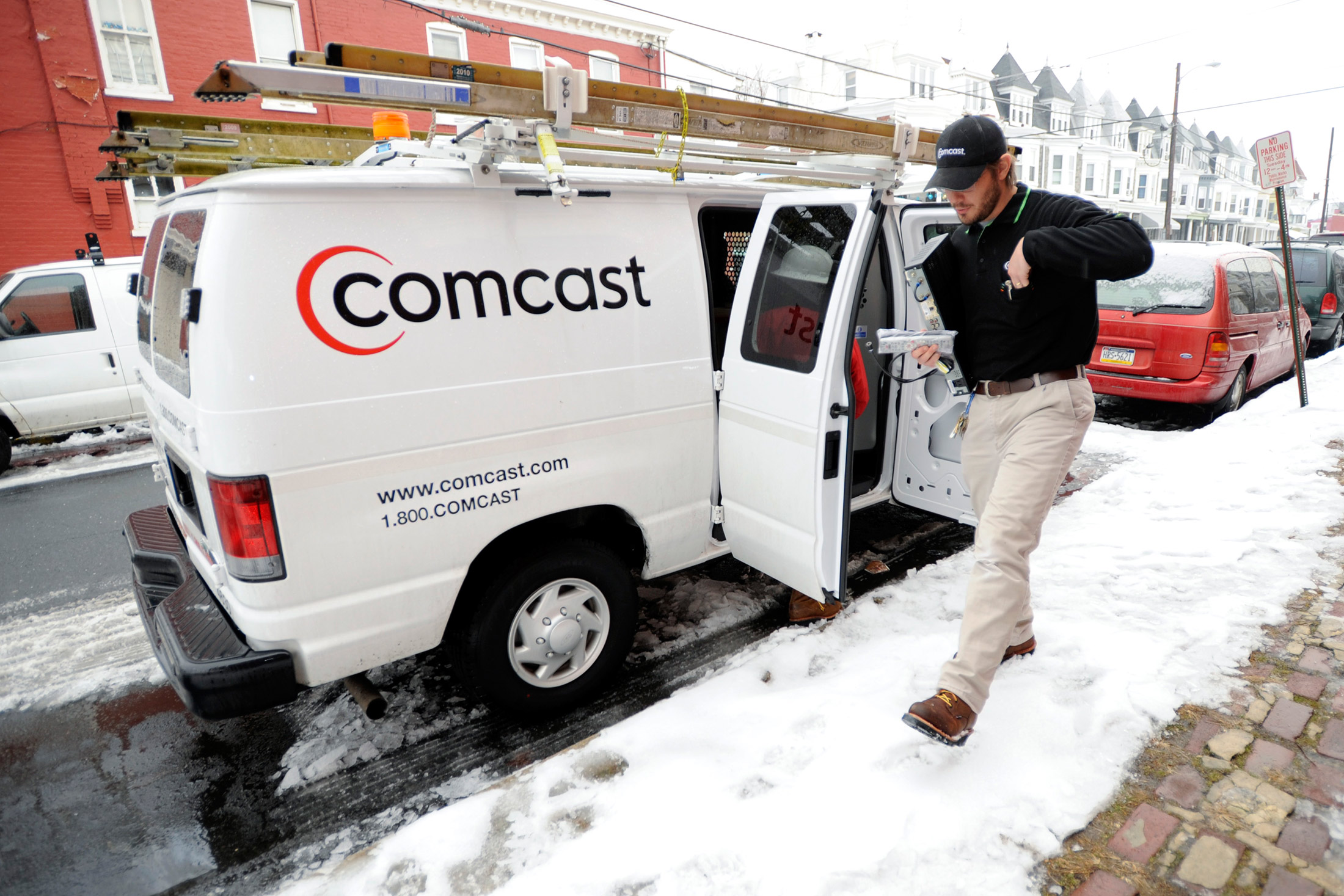 Comcast Tries to Repair Its Customer Service