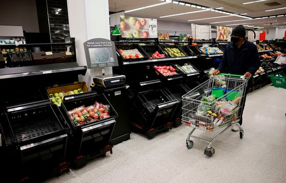 U.K. Risks Vegetable Shortages as French Ban's Impact Lingers