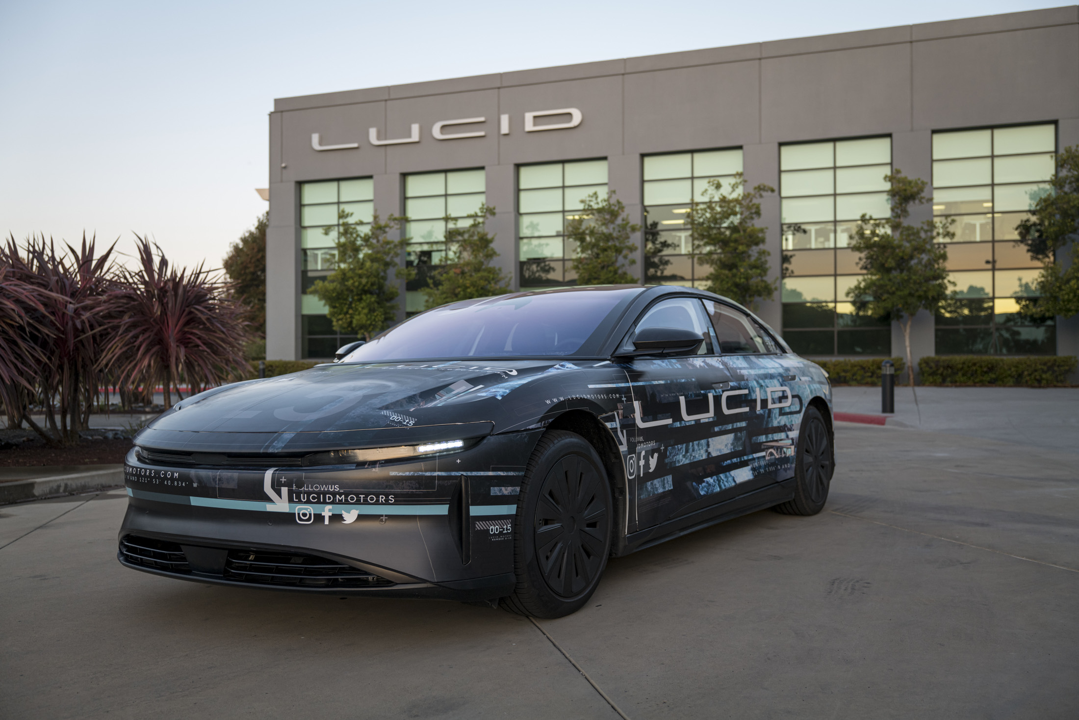How Lucid S New Electric Car Stacks Up Against Tesla And Porsche Governors Wind Energy Coalition