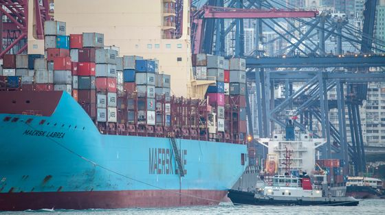 Maersk Shares Sink After Outlook for 2021 Disappoints