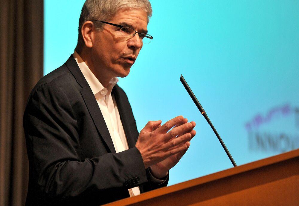The Rebel Economist Who Blew Up Macroeconomics