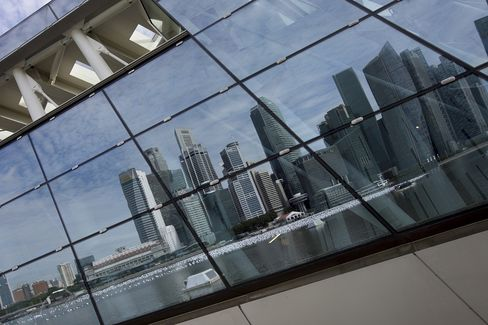 Singapore Long-Only Hedge Funds Defy Capital Rut