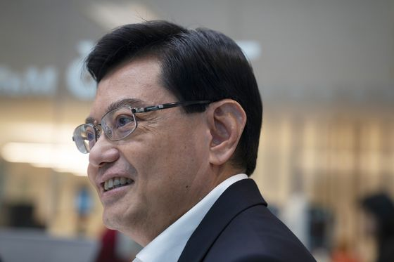 Singapore Set to Pick Heng as Successor to Prime Minister Lee