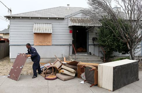 FHA Needs Bailout From Treasury to Plug Budget, Bachus Says