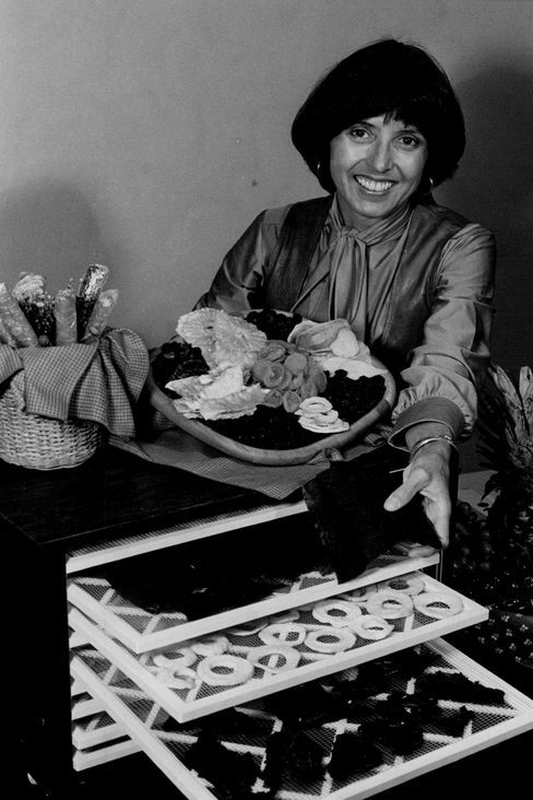 Late '70s dehydrating guru Deanna DeLong, author of How to Dry Foods, displays an obvious passion for her craft.