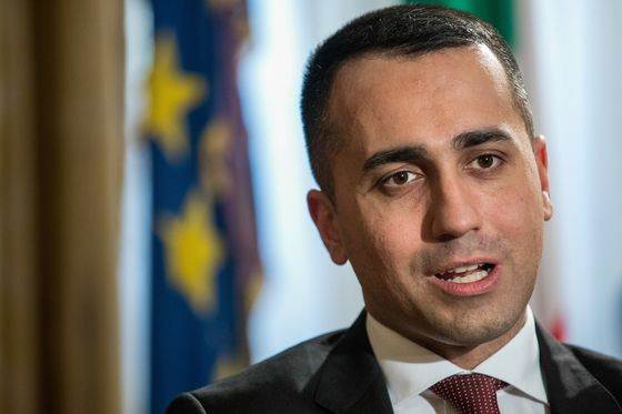Di Maio Says Italy Doesn't Want Debt to Spiral Toward 140%