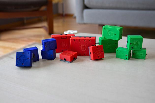 ATOMS Express Toys: High-Tech Building Blocks