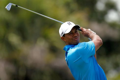 Tiger Woods Becomes First Golfer to Top $100 Million in Winnings