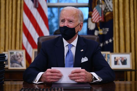 Biden Eyes More Foreign Workers While Skirting H-1B Visa Uproar