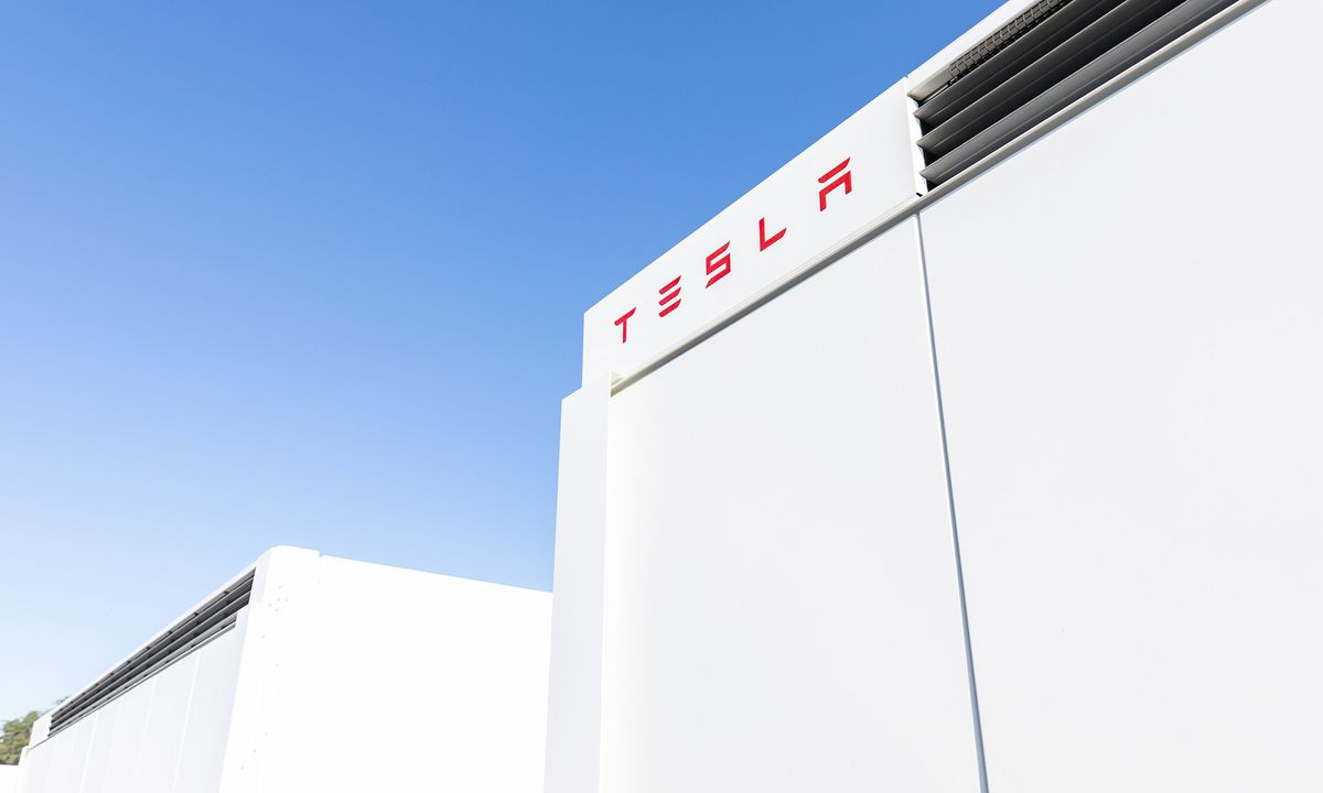 Fire Erupts at Tesla Big Battery in Australia During Testing