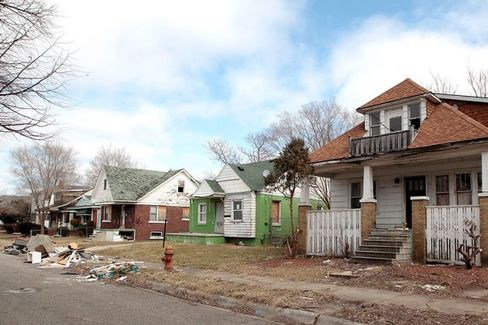 Can Detroit Keep Empty Lots From Becoming Eyesores Again?