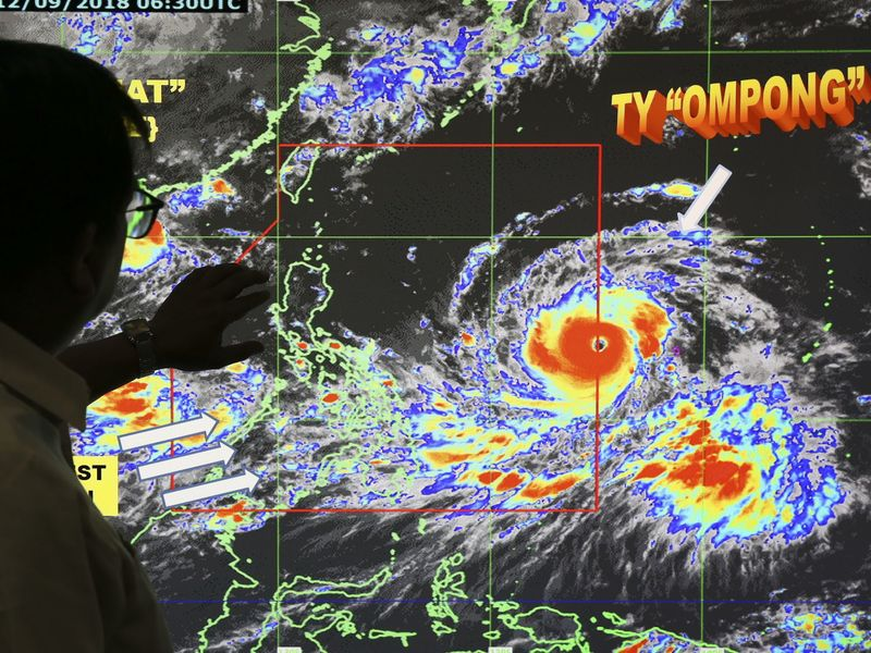 Super typhoon roared toward Philippines