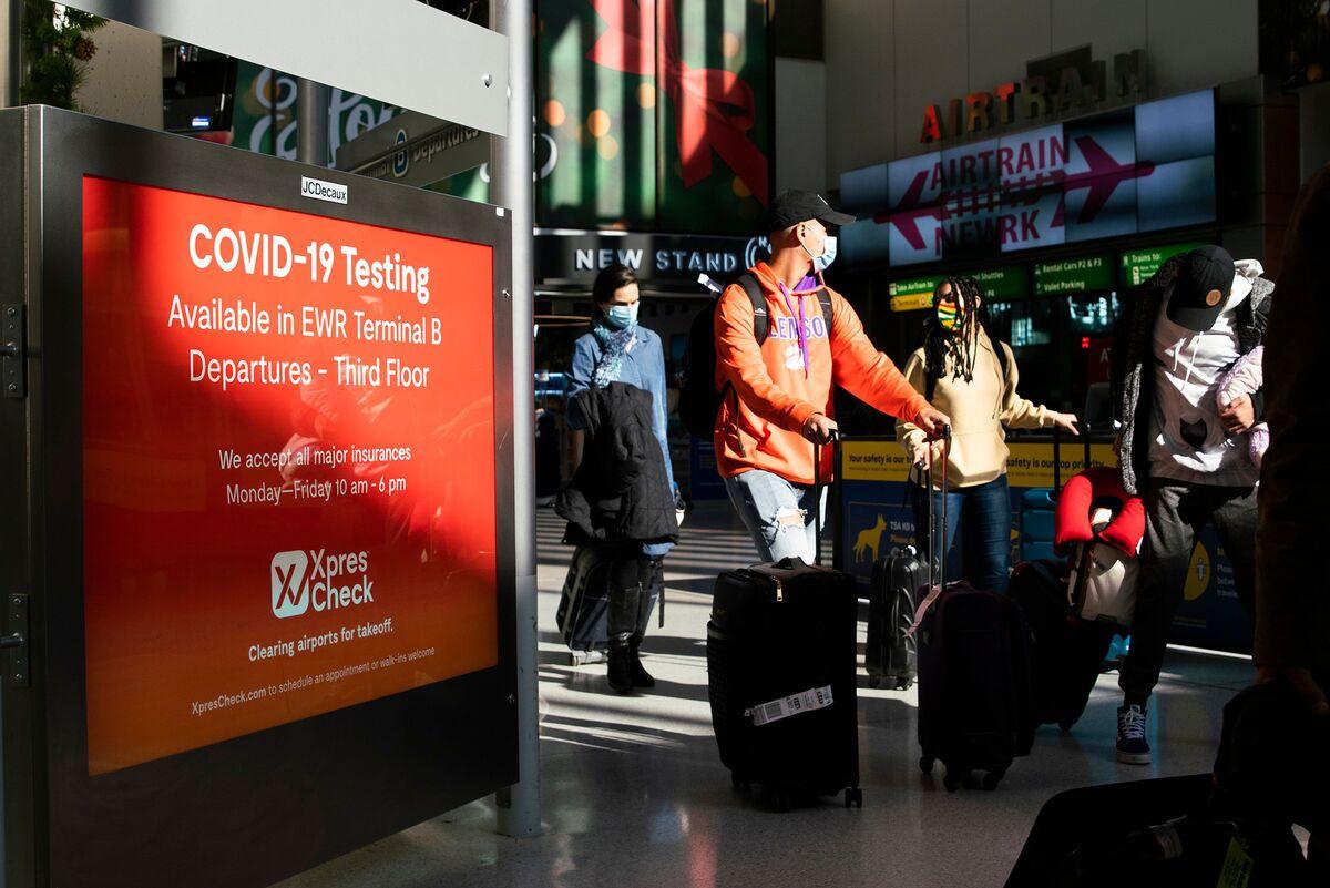 U.S. Air Travelers Surge Over 1 Million in Holiday-Season Uptick