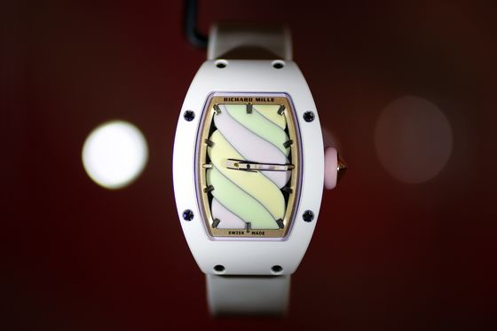 Swiss Watchmaker Tries to Go Feminine Without Alienating Men