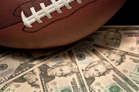 Daily Fantasy Sports Draw Big Bets From Investors