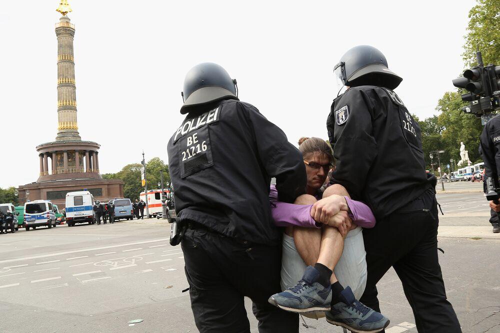 A kijárási korlátozások ellen tüntettek Berlinben