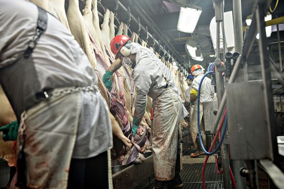Top Pork Producer Shuts Key Plant and Warns of Meat Shortfall