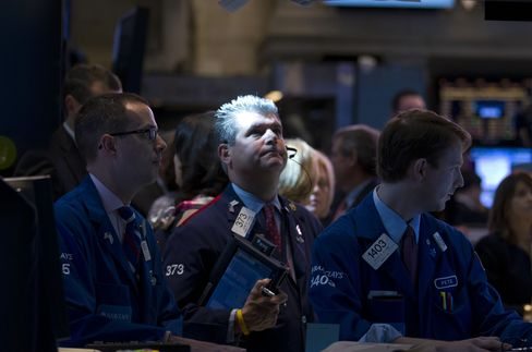 Rally Matches 1990s Internet-Fed Gains With Valuations 28% Lower
