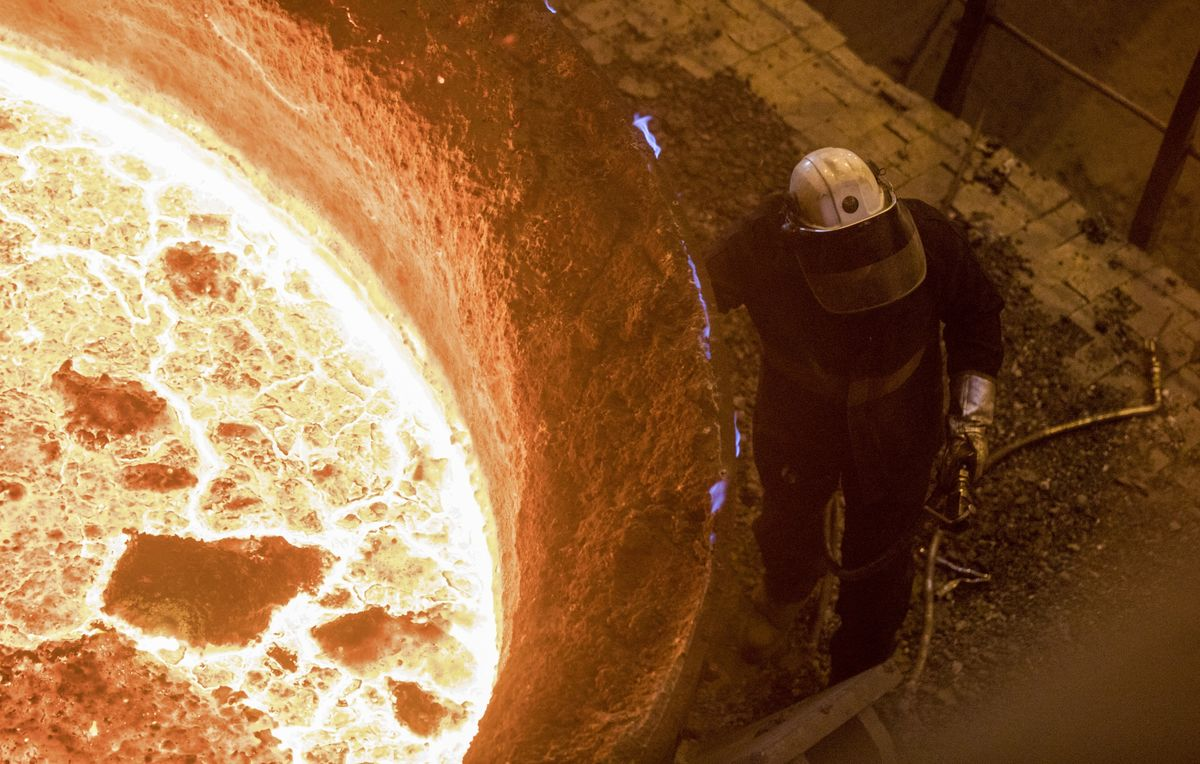 China Keeps Churning Out Steel That No One Wants to Buy