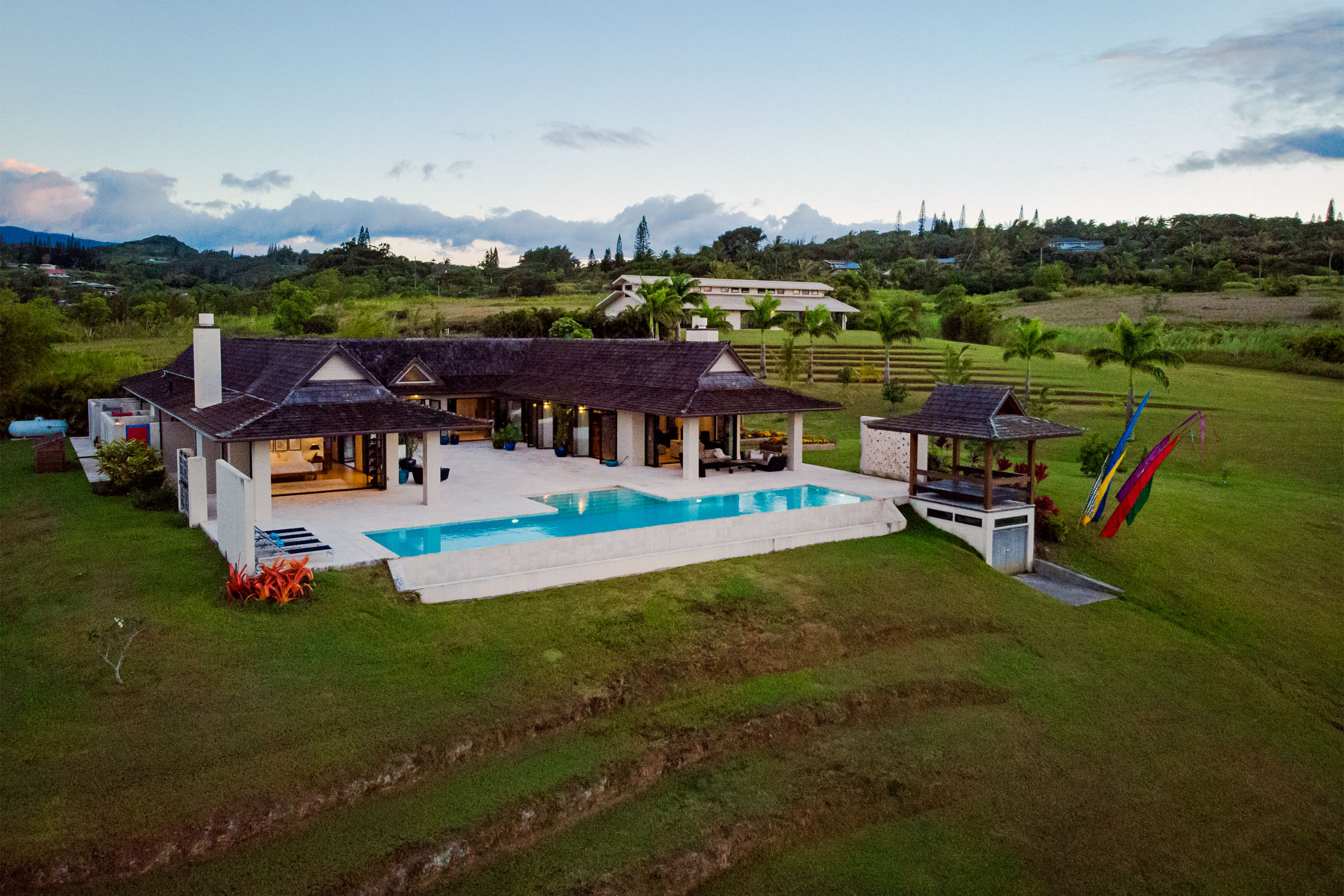 relates to An Oil Executive Is Listing His Solar-Powered Hawaii Mansion