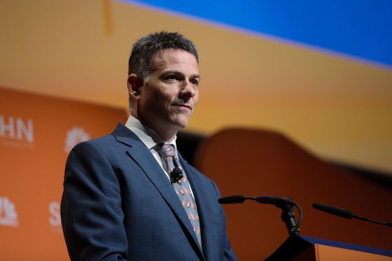 Einhorn Gets Fund Back to Near Even With Value Stocks Soaring