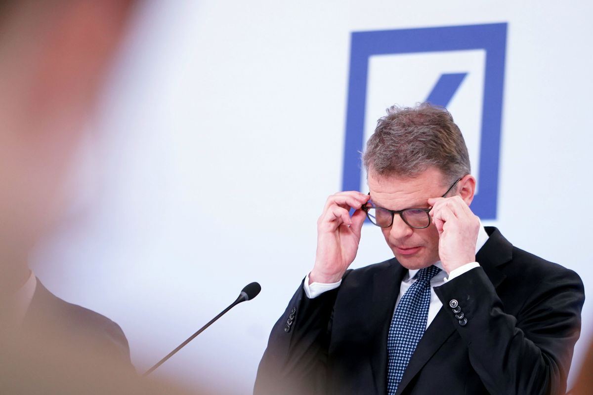 Deutsche Bank's Compliance Missteps Get Personal for CEO Sewing