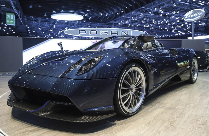 New Pagani Huayra Roadster Convertible Price Specs Photos Bloomberg - Car show display stand for sale